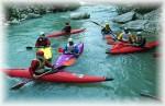 Le acque limpide e impetuose dei fiumi offrono un ottimo terreno di gioco agli appassionati della canoa